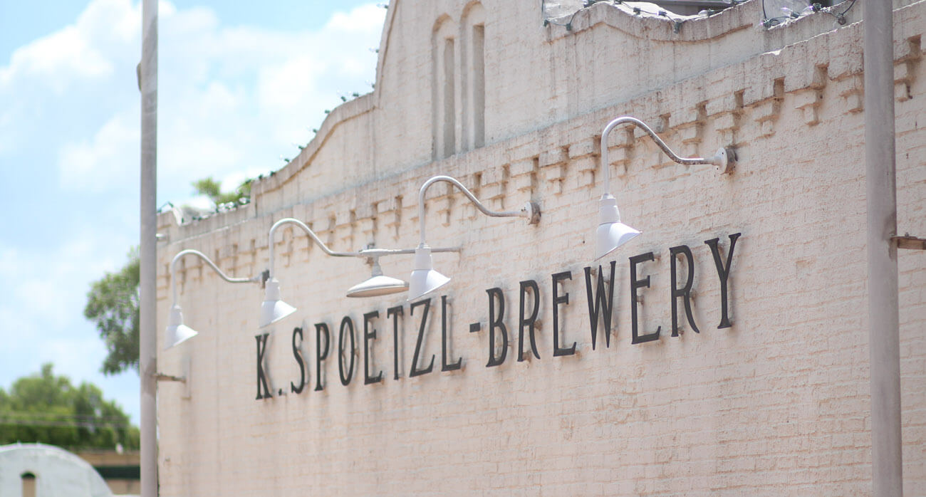 Beer-Chronicle-Houston-Craft-Beer-Review-Featured-Shiner-Brewery-1-spoetzl-sign-atop-alamo-like-building-front