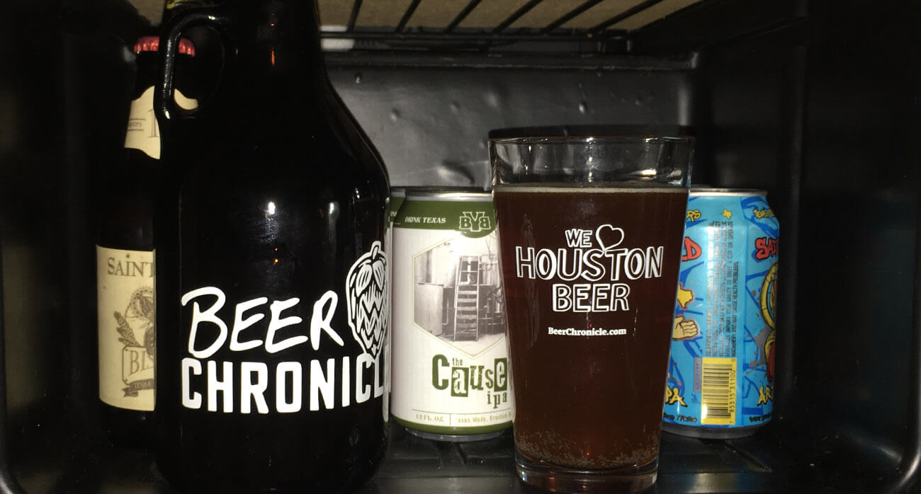 Beer-Chronicle-Houston-Beer-blackwater-draw-border-town-lager_0002_Fridge
