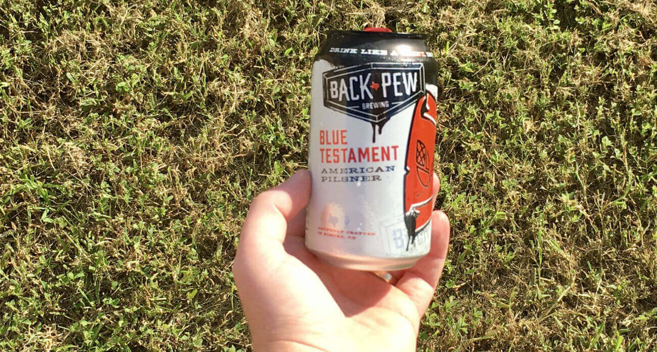 Beer-Chronicle-Houston-Craft-Beer-Review-Back-Pew-Brewing-Blue-Testament-Can-In-Hand