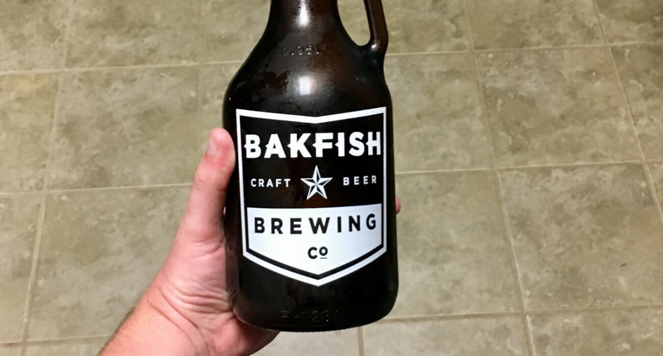 Beer-Chronicle-Houston-Craft-Beer-Review-Bakfish-Small-Logo-Growler-In-Hand