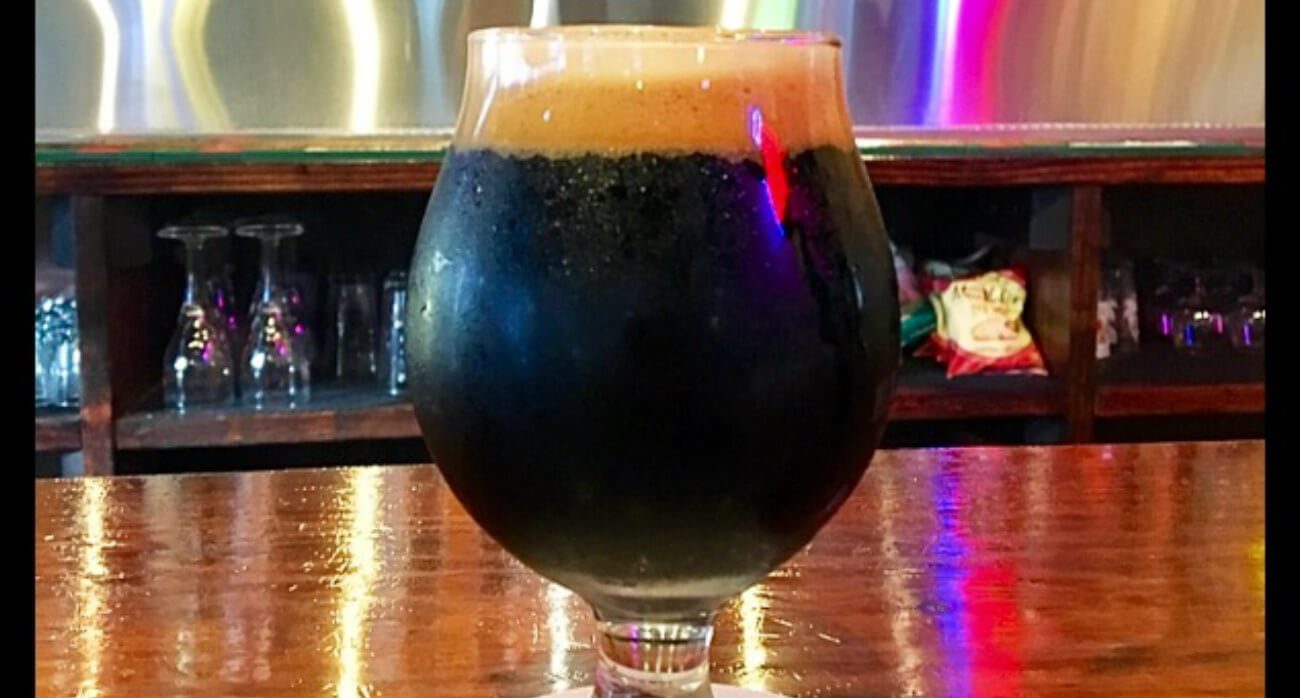 beer-chronicle-houston-craft-beer-review-brash-black-masses-full-snifter-glass