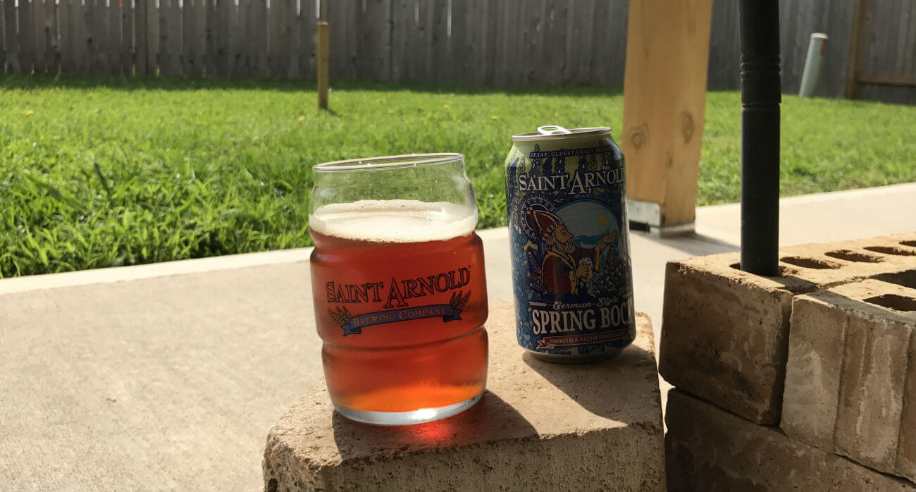Beer-Chronicle-Houston-Craft-Beer-Review-Spring-Bock-Beer-In-Saint-Arnold-Glass-Next-To-Can