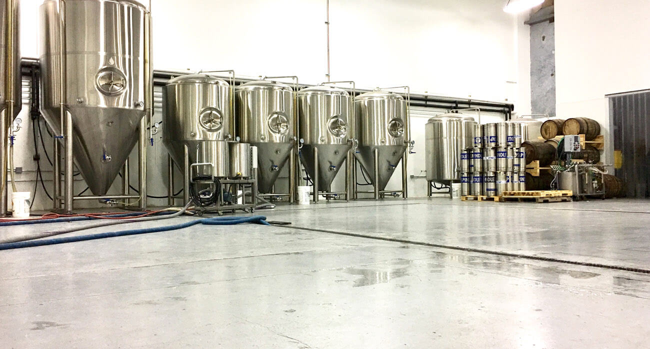beer-chronicle-houston-craft-beer-review-spindletap-guide_0005_tanks