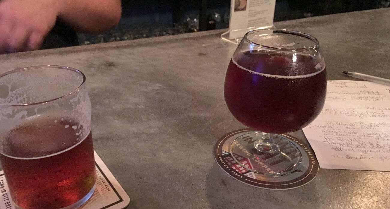 Beer-Chronicle-Houston-Craft-Beer-town-in-city-brewing-raspberry-amber