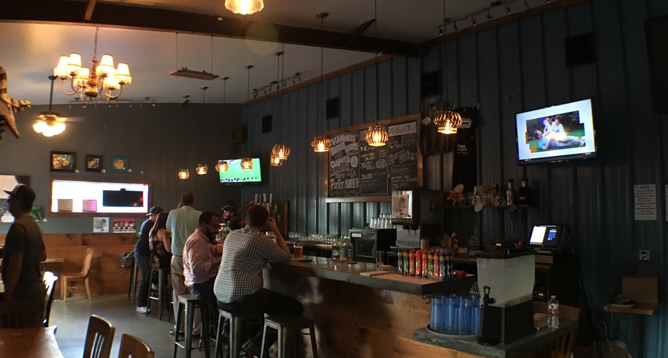 Beer-Chronicle-Houston-Craft-Beer-town-in-city-brewing-tap-room