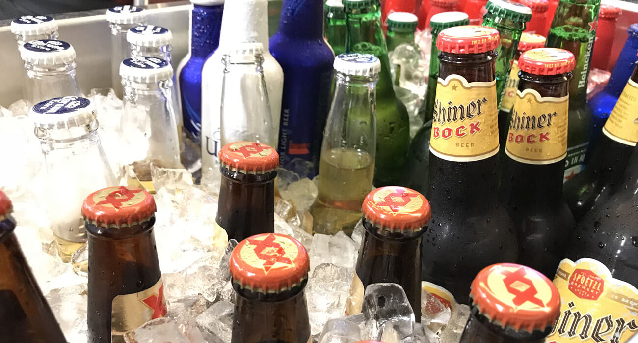 Where to find craft beer at hobby airport beer chronicle for Where to buy craft beer